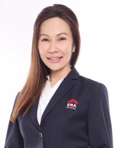 Evelyn Wee L L agent photo