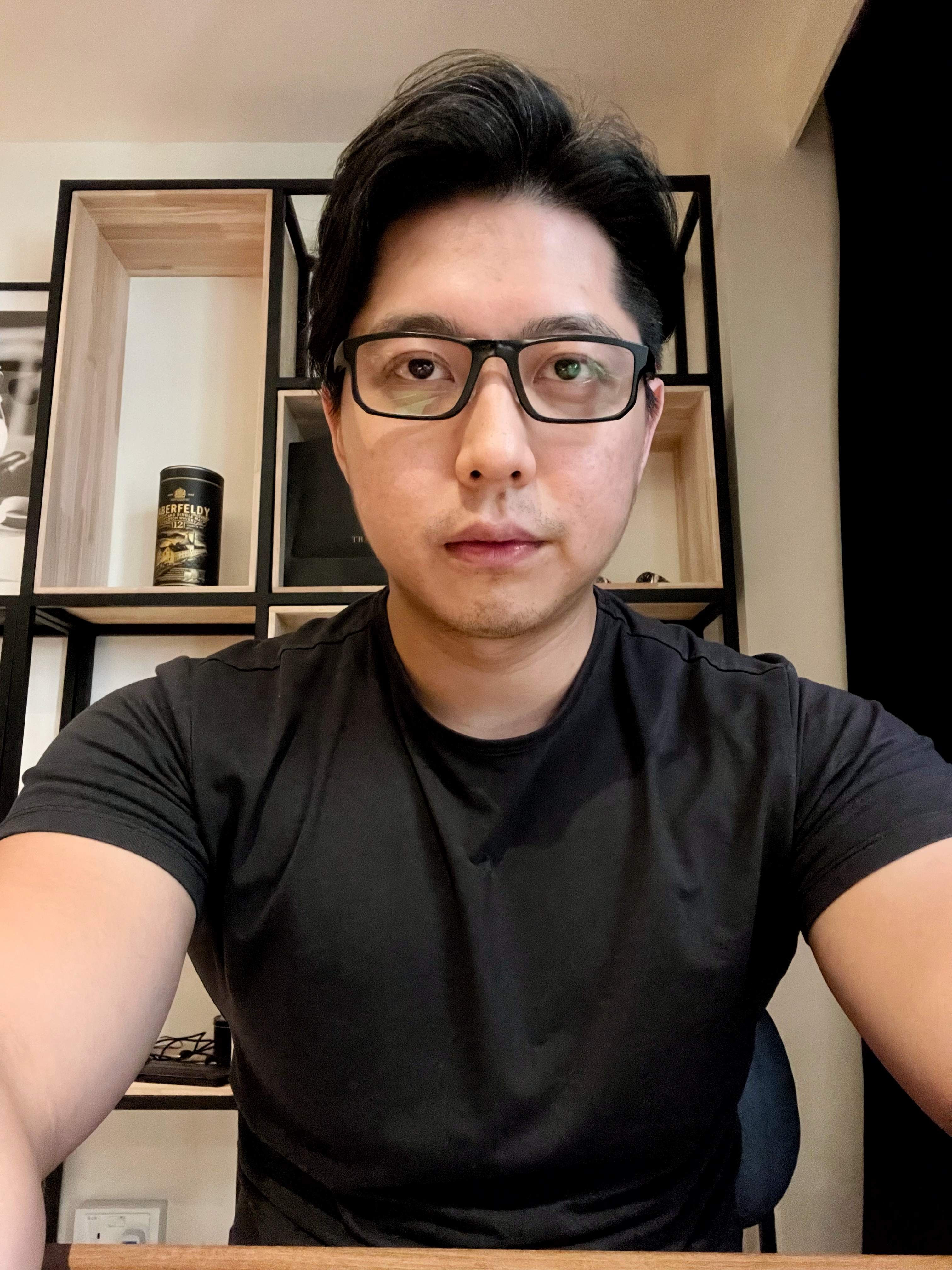 Thomas Tong agent photo