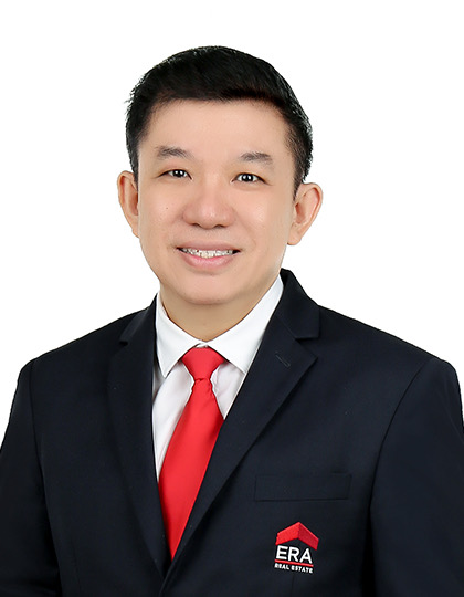 Michael Lau M W agent photo